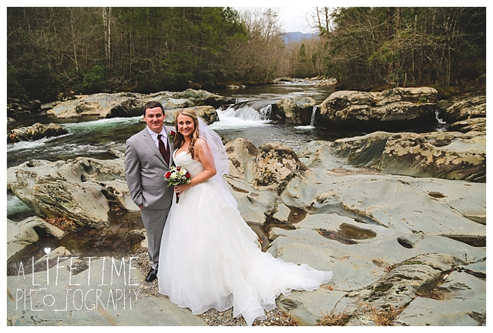 Little Log chapel Wedding Photographer Gatlinburg-Pigeon-Forge-Knoxville-Sevierville-Dandridge-Seymour-Smoky-Mountains-Townsend-Photos-Greenbriar Session-Professional-Maryville_0380