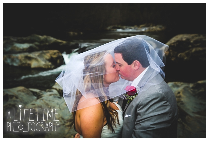 Little Log chapel Wedding Photographer Gatlinburg-Pigeon-Forge-Knoxville-Sevierville-Dandridge-Seymour-Smoky-Mountains-Townsend-Photos-Greenbriar Session-Professional-Maryville_0383