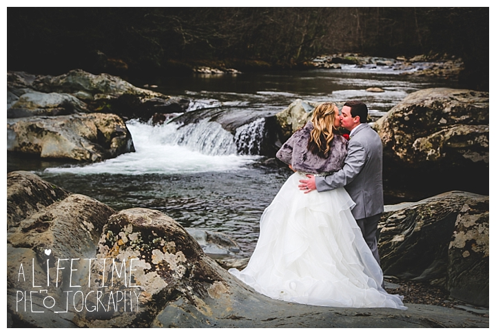 Little Log chapel Wedding Photographer Gatlinburg-Pigeon-Forge-Knoxville-Sevierville-Dandridge-Seymour-Smoky-Mountains-Townsend-Photos-Greenbriar Session-Professional-Maryville_0385