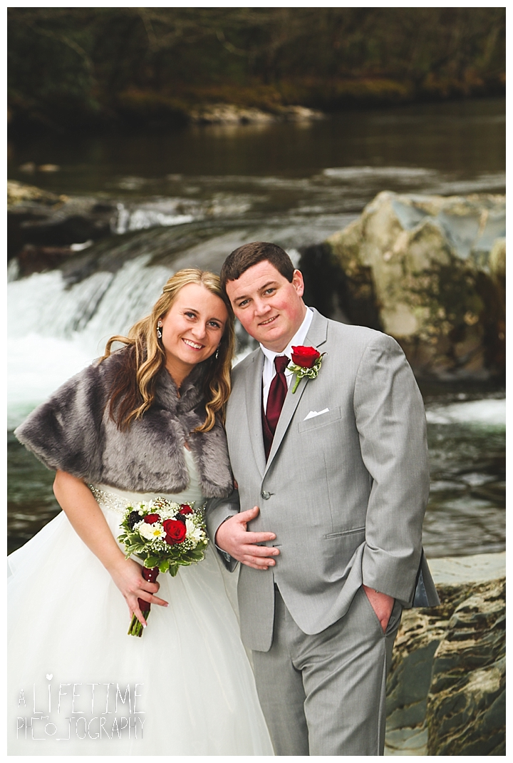 Little Log chapel Wedding Photographer Gatlinburg-Pigeon-Forge-Knoxville-Sevierville-Dandridge-Seymour-Smoky-Mountains-Townsend-Photos-Greenbriar Session-Professional-Maryville_0386