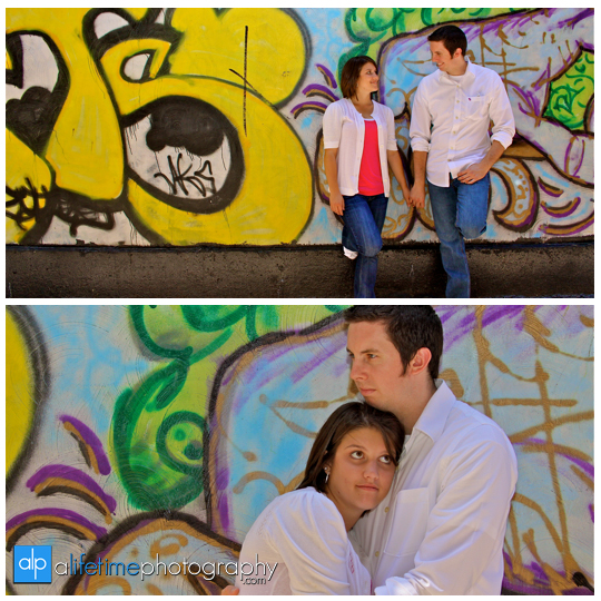 Market_Square_Grafatti_wall_Downtown_Knoxville_Market_Square_Engagement_Engaged_Couple_Photographer_Photos_Photography