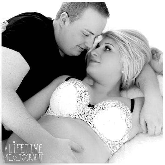 Maternity-baby-expecting-boudoir-Session-Photographer-couple-sexy-Pictures-Hilton-Inn-Gatlinburg-TN-Knoxville-Maryville-TN-12