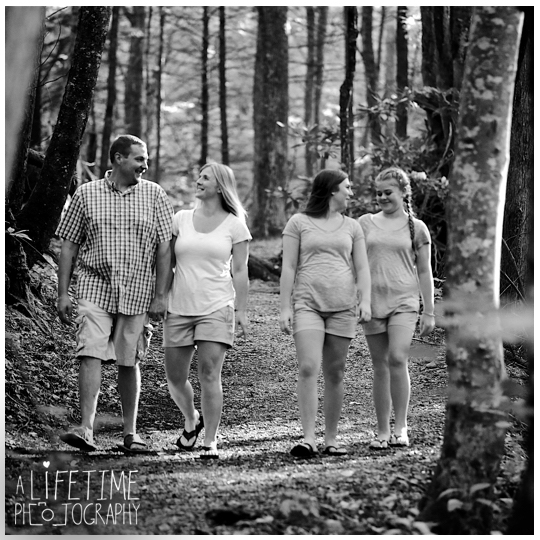 Motor-Nature-Trail-Family-Photographer-Smokies-Smoky-Montains-Gatlinburg-Pigeon-Forge-Knoxville-Seymour-Sevierville-Townsend-Wears-Valley-Dandridge-7