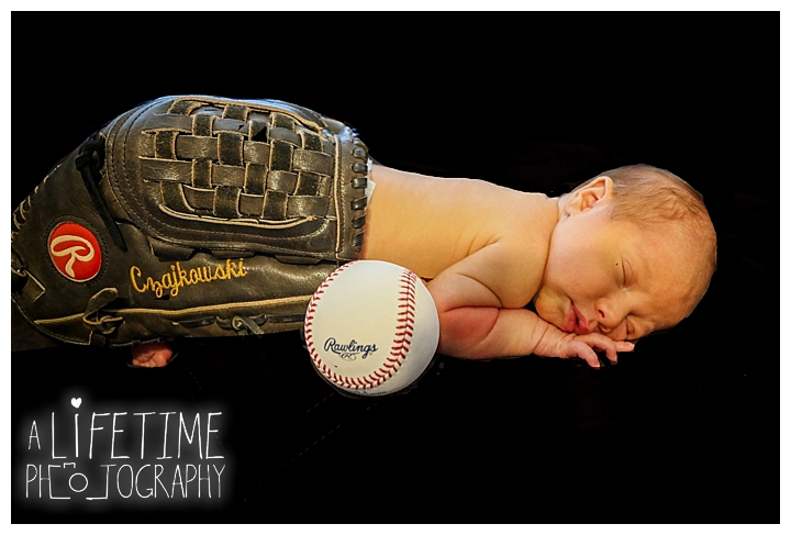 Newborn Baby Photographer Gatlinburg-Pigeon-Forge-Knoxville-Sevierville-Dandridge-Seymour-Smoky-Mountains-Townsend-Photos-Session-Professional-Maryville_0399