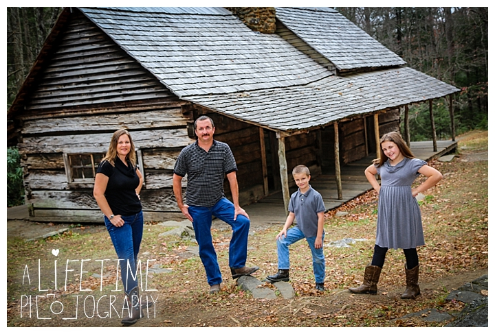 ogle-place-family-reunion-cabin-photographer-gatlinburg-pigeon-forge-knoxville-sevierville-dandridge-seymour-smoky-mountains-townsend-photos-session-professional-maryville_0105