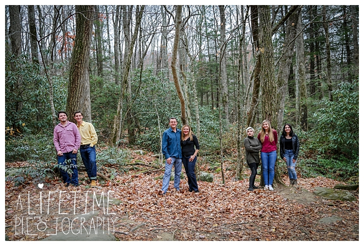 ogle-place-family-reunion-cabin-photographer-gatlinburg-pigeon-forge-knoxville-sevierville-dandridge-seymour-smoky-mountains-townsend-photos-session-professional-maryville_0106