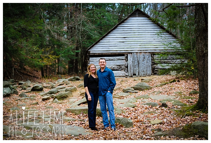 ogle-place-family-reunion-cabin-photographer-gatlinburg-pigeon-forge-knoxville-sevierville-dandridge-seymour-smoky-mountains-townsend-photos-session-professional-maryville_0112