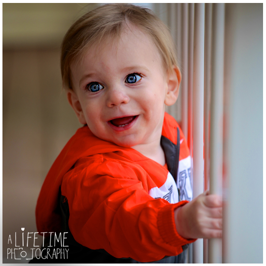 One-Year-Old-Birthday-boy-Sevierville-Pigeon-Forge-Knoxville-TN-Gatliburg-Johnson-City-Kingsport-Bristol-Kid-baby-child-Photographer-Photography-in-home-private-residence-5