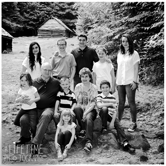 Photographer-Gatlinburg-Pigeon-Forge-Smoky-Mountains-Knoxville-Family-Kids-Weddings-Nature-reunion-6