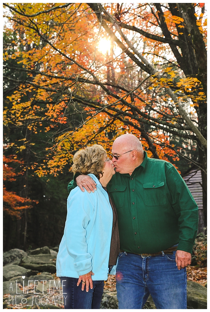 photographer-family-gatlinburg-pigeon-forge-knoxville-sevierville-dandridge-seymour-smoky-mountains-townsend-knoxville-ogle-place_0118