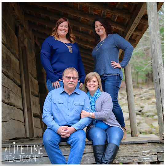 Photographer-in-Gatlinburg-TN-Smoky-Mountains-Pigeon-Forge-Knoxville-Seymour-Pictures-family-session-kids-11