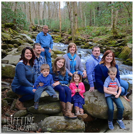 Photographer-in-Gatlinburg-TN-Smoky-Mountains-Pigeon-Forge-Knoxville-Seymour-Pictures-family-session-kids-13