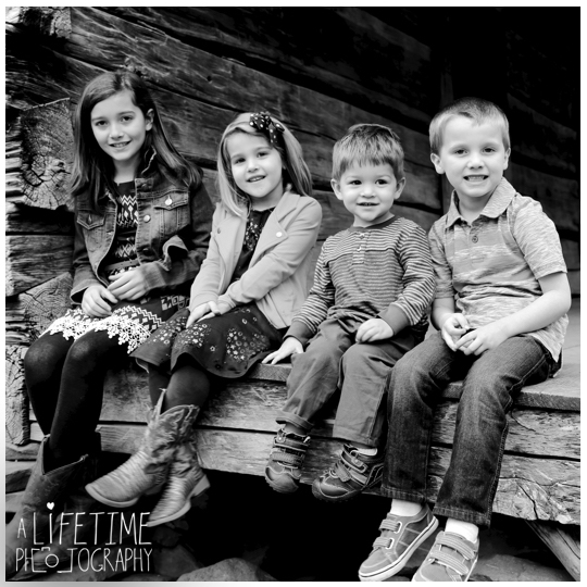Photographer-in-Gatlinburg-TN-Smoky-Mountains-Pigeon-Forge-Knoxville-Seymour-Pictures-family-session-kids-7