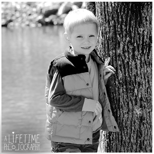 Pigeon-Forge-Knoxville-Gatlinburg-Strawberry-plains-Smoky-Mountains-Kodak-Seymour-Patriot-Park-Kid-Child-Birthday-photos-5-years-old-photographer-photoshoot-1