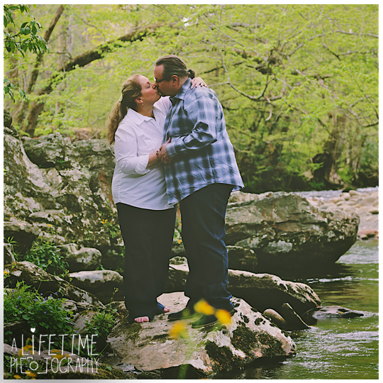 Post-wedding-photos-photographer-couple-anniversary-pictures-photo-session-shoot-Emerts-Cove-Smoky-Mountains-Gatlinburg-Pigeon-Forge-Sevierville-TN-Knoxville-Pittman-Center-10