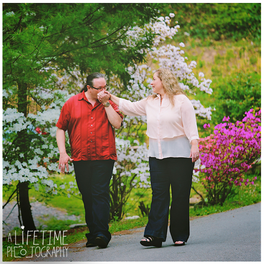 Post-wedding-photos-photographer-couple-anniversary-pictures-photo-session-shoot-Emerts-Cove-Smoky-Mountains-Gatlinburg-Pigeon-Forge-Sevierville-TN-Knoxville-Pittman-Center-3