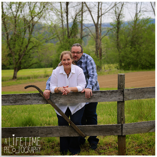 Post-wedding-photos-photographer-couple-anniversary-pictures-photo-session-shoot-Emerts-Cove-Smoky-Mountains-Gatlinburg-Pigeon-Forge-Sevierville-TN-Knoxville-Pittman-Center-7