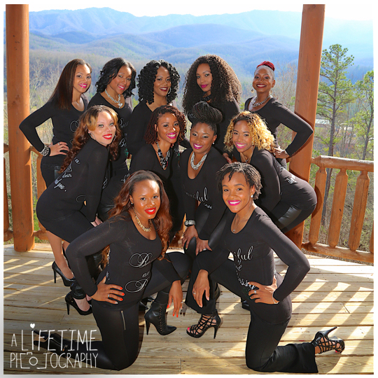 Retreat-ladies-cabin-Gatlinburg-Photographer-Deer-Ridge-Resort-Smoky-Mountains-friends-session-Pigeon-Forge-fun-13