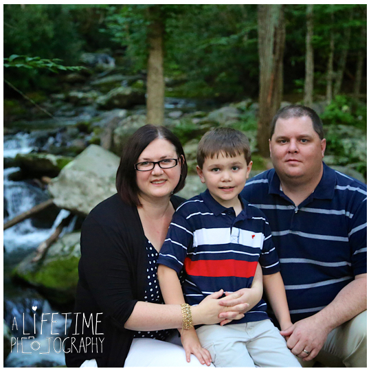 Roaring-Fork-Motor-Nature-Trail-Family-Photos-In-the-Great-Smoky-Mountain-National-Park-Photographer-Family-Reunion-Gatlinburg-Knoxville-Pigeon-Forge-GSMNP-11