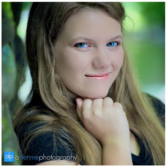 Senior-Photographer-Gatlinburg-Smoky-Mountain-Roaring-Fork-Motor-Nature-Trail-Pigeon-Forge-Sevierville-Photography-Portraits-pictures-high-school-family-kids-11