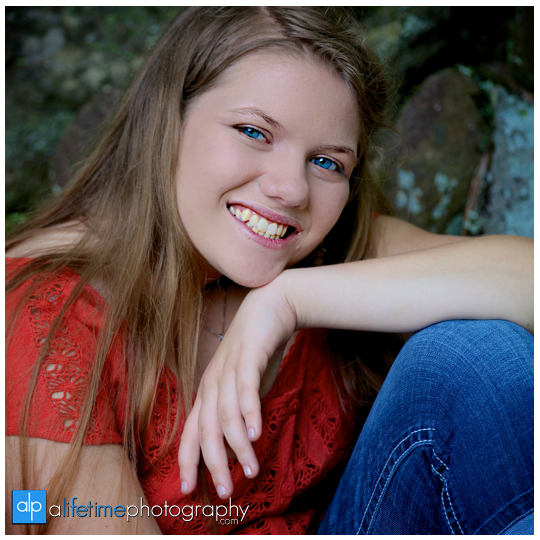 Senior-Photographer-Gatlinburg-Smoky-Mountain-Roaring-Fork-Motor-Nature-Trail-Pigeon-Forge-Sevierville-Photography-Portraits-pictures-high-school-family-kids-17
