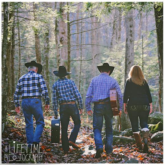 Senior-Photographer-Gatlinburg-Smoky-Mountains-Pigeon-Forge-Sevierville-TN-cowboy-musician-family-photos-Ogle-Place-10d