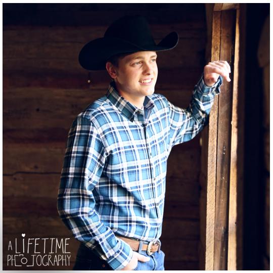 Senior-Photographer-Gatlinburg-Smoky-Mountains-Pigeon-Forge-Sevierville-TN-cowboy-musician-family-photos-Ogle-Place-3