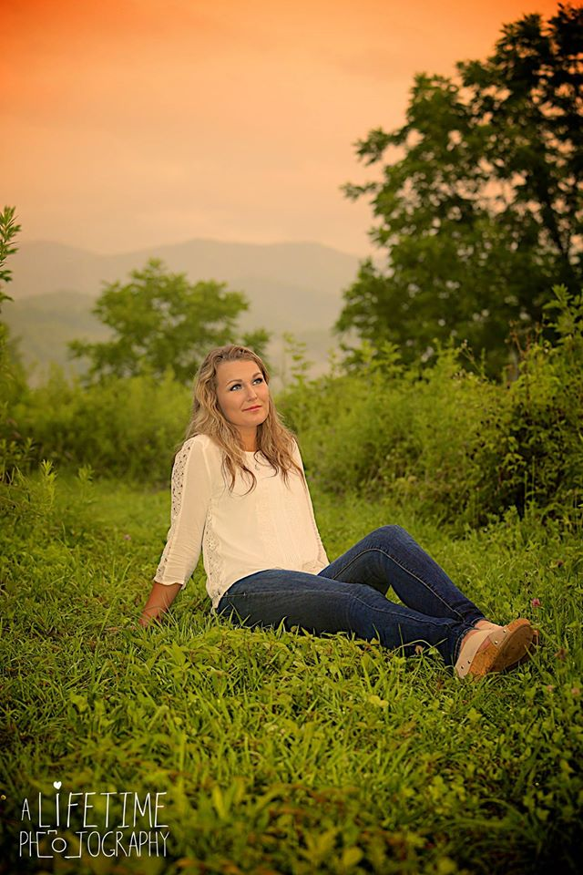 Senior Photographer in the Gatlinburg Pigeon Forge Knoxville area