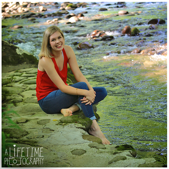 Senior-Portraits-Smoky-Mountains-Gatlinburg-Photographer-Pigeon-Forge-Knoxville-Emerts-Cove-9