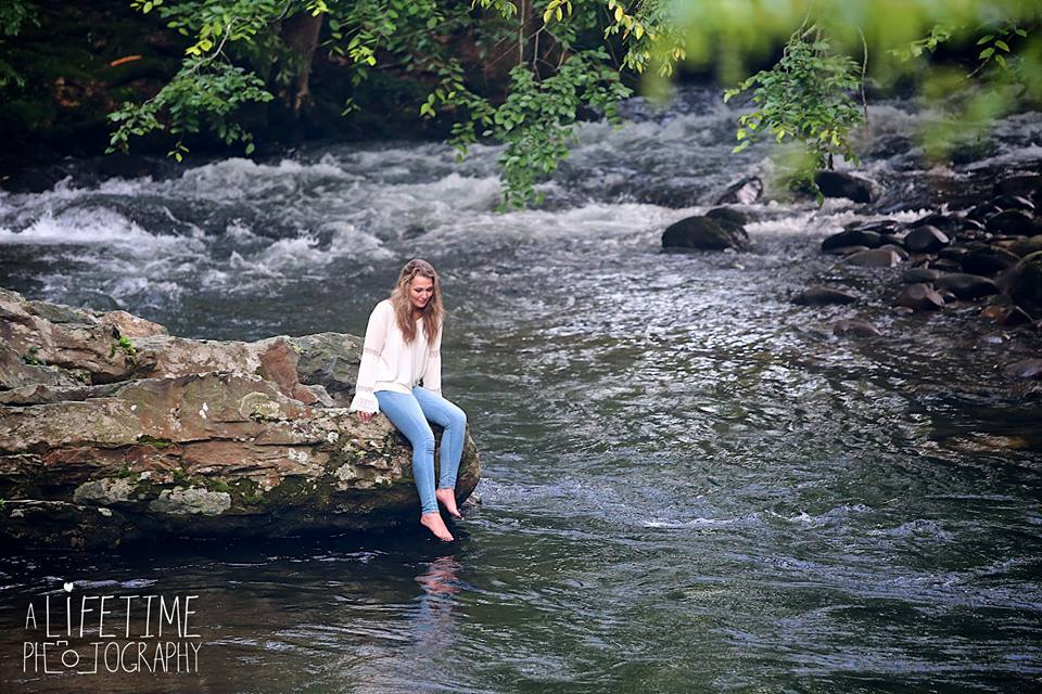 Senior photographer in Gatlinburg Pigeon Forge