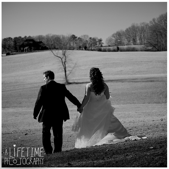 Seymour-Sevierville-Maryville-TN-Wedding-Photographer-barn-country-ceremony-photography-Knoxville-Strawberry-plains-Kodak-Pigeon-Forge-TN-20