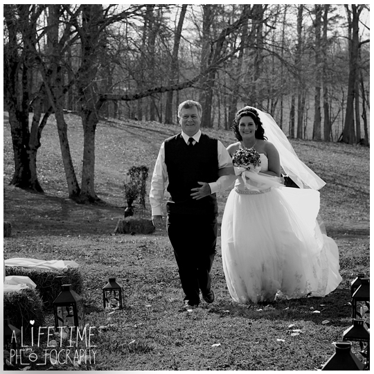 Seymour-Sevierville-Maryville-TN-Wedding-Photographer-barn-country-ceremony-photography-Knoxville-Strawberry-plains-Kodak-Pigeon-Forge-TN-6