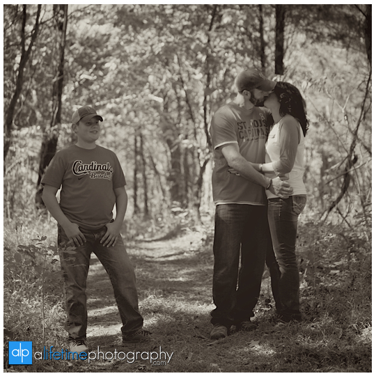 Seymour-TN-Family-Photographer-home-private-residence-Knoxville-Maryville-Walland-Sevierville-Pigeon-Forge-farm-Family-kids-Photography-11