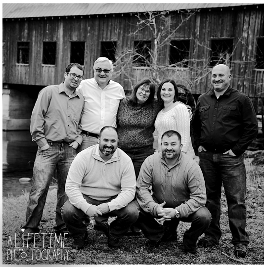 Smoky-Mountain-Family-Photographer-Gatlinburg-Photos-Pigeon-Forge-Pictures-Sevierville-photo-session-Knoxville-reunion-Emerts-Cove-Covered-Bridge-6
