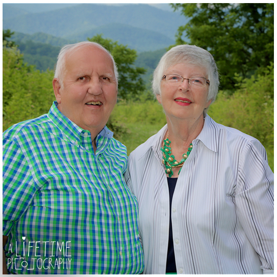 Smoky-Mountain-Family-Photographer-Gatlinburg-Pigeon-Forge-Knoxville-reunion-2