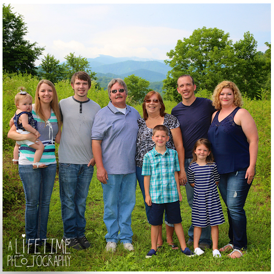 Smoky-Mountain-Family-Photographer-Gatlinburg-Pigeon-Forge-Knoxville-reunion-4