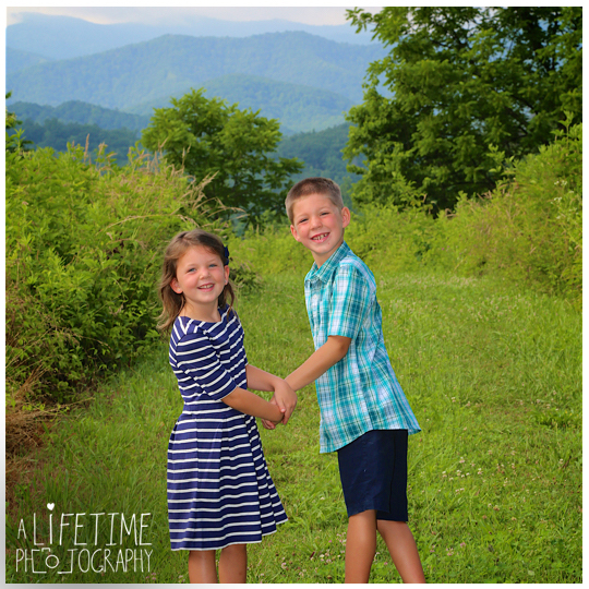 Smoky-Mountain-Family-Photographer-Gatlinburg-Pigeon-Forge-Knoxville-reunion-7