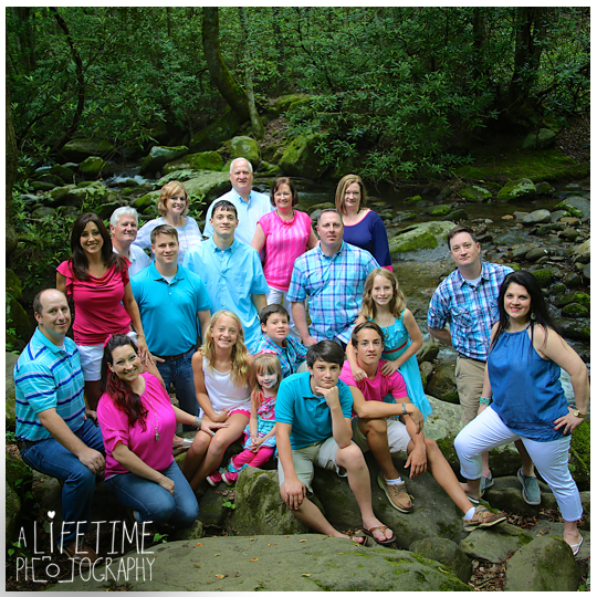 Smoky-Mountain-Gatlinburg-family-reunion-photographer-Pigeon-Forge-Sevierville-TN-Motor-Nature-Trail-12