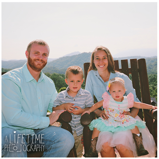 Smoky-Vista-Lodge-Sevierville-Pigeon-Forge-Patriot-Park-Family-Photographer-Cabin-Gatlinburg-Smoky-Mountains-Knoxville-TN-2