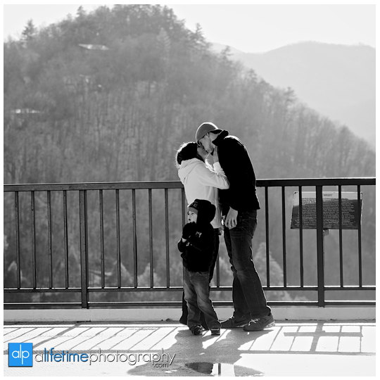 Space needle marriage proposal engagement in Gatlinburg TN photographer Pigeon Forge idea-4