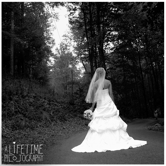 Starkey-town-cove-wedding-venue-photographer-Pigeon-Forge-Gatlinburg-TN-Sevierville-Knoxville-Smoky-Mountains-national-park-outdoor-ceremony-newlywed-bride-groom-12