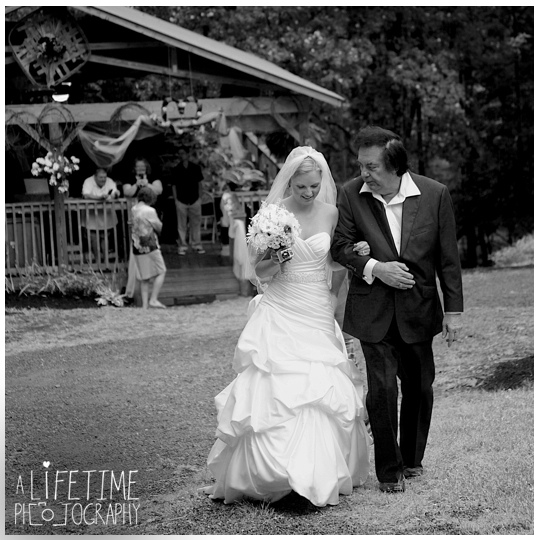 Starkey-town-cove-wedding-venue-photographer-Pigeon-Forge-Gatlinburg-TN-Sevierville-Knoxville-Smoky-Mountains-national-park-outdoor-ceremony-newlywed-bride-groom-17