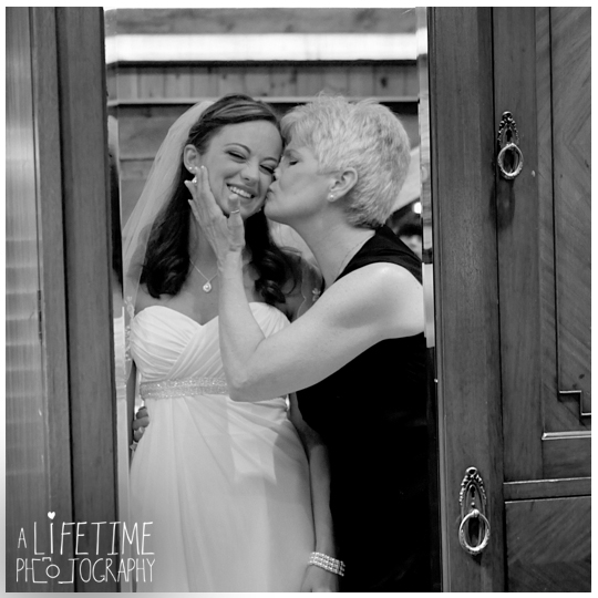 The Barn Event Center of The Smokies Wedding Photographer in Townsend TN Gatlinburg Sevierville Pigeon Forge Knoxville Maryville-photography-5