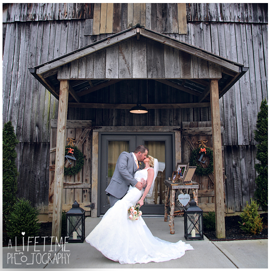 The-Barn-at-Chestnut-Springs-Wedding-Photographer-Sevierville-TN-Pigeon-Forge-Knoxville-Photos-16