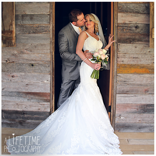 The-Barn-at-Chestnut-Springs-Wedding-Photographer-Sevierville-TN-Pigeon-Forge-Knoxville-Photos-8