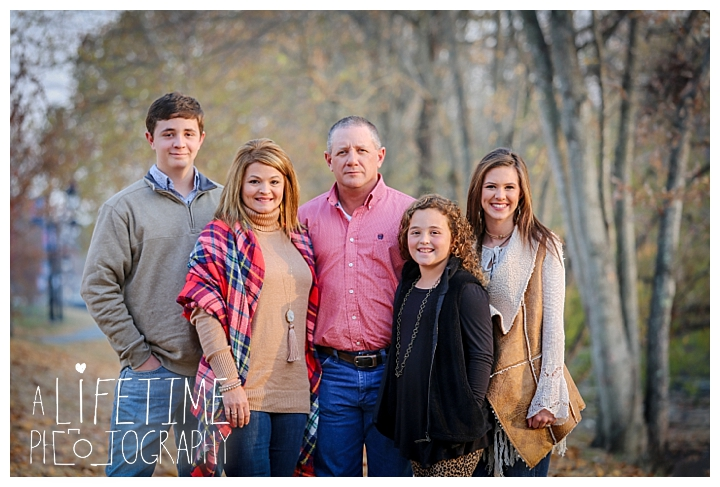 the-island-family-photographer-gatlinburg-pigeon-forge-knoxville-sevierville-dandridge-seymour-smoky-mountains-townsend-baby-photos-session-professional_0045