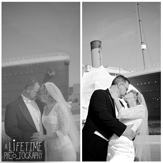 Titanic-Museum-Vow-Renewal-Ceremony-Wedding-Photographer-Pigeon-Forge-TN-Gatlinburg-Sevierville-Knoxville-12