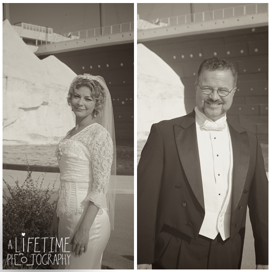 Titanic-Museum-Vow-Renewal-Ceremony-Wedding-Photographer-Pigeon-Forge-TN-Gatlinburg-Sevierville-Knoxville-13