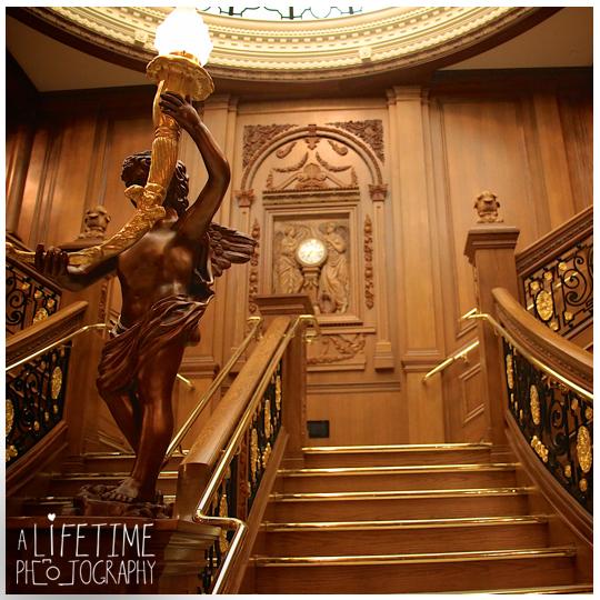 Titanic-Museum-Vow-Renewal-Ceremony-Wedding-Photographer-Pigeon-Forge-TN-Gatlinburg-Sevierville-Knoxville-4