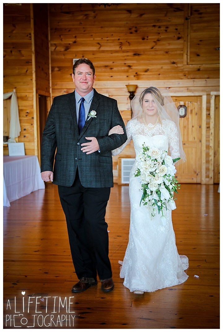 Wedding Brothers Cove Photographer Gatlinburg-Pigeon-Forge-Knoxville-Sevierville-Dandridge-Seymour-Smoky-Mountains-Townsend-Photos-Greenbriar Session-Professional-Maryville_0290